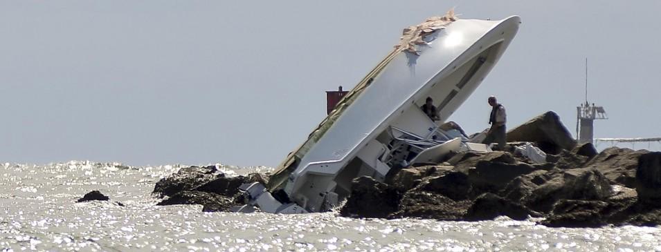 Jose Fernandez Picture Of Boat On rocks