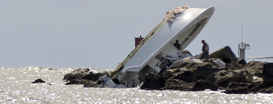 Jose Fernandez Picture Of Boat On rocks